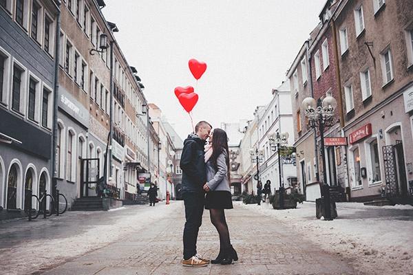 Hezké vzpomínky vztah zcela určitě naplňují, důležité však je sdílet mezi sebou i ty méně šťastné.