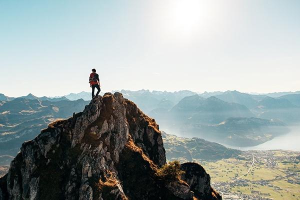 muž na hoře