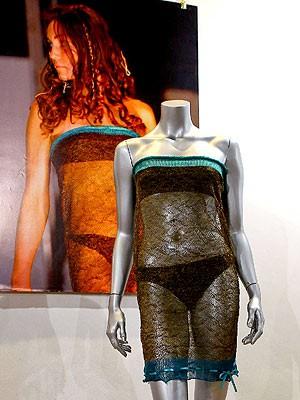 průhledné šaty